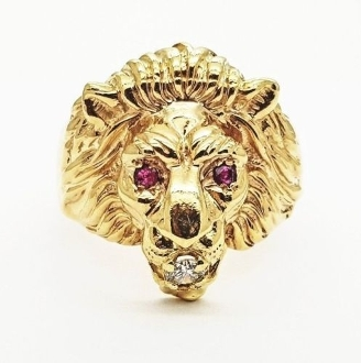 14K Yellow Gold Lions Head Ring 0.12 tcw Diamond with Ruby Eyes